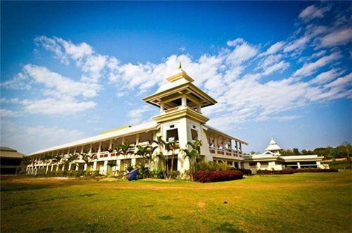 泰國藝術大學